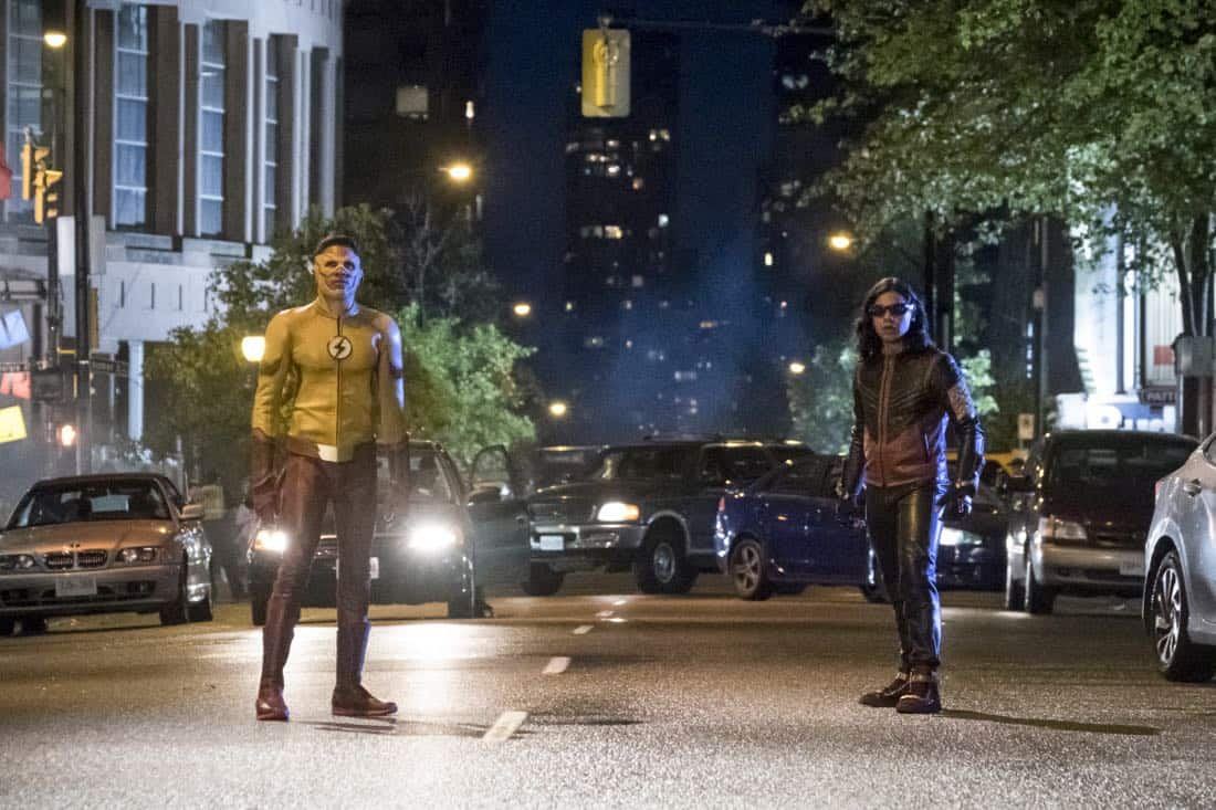 """The Flash -- """"The Flash Reborn"""" -- Image Number: FLA401a_0196b.jpg -- Pictured: Keiynan Lonsdale as Kid Flash and Carlos Valdes as Vibe -- Photo: Katie Yu/The CW -- © 2017 The CW Network, LLC. All rights reserved."""