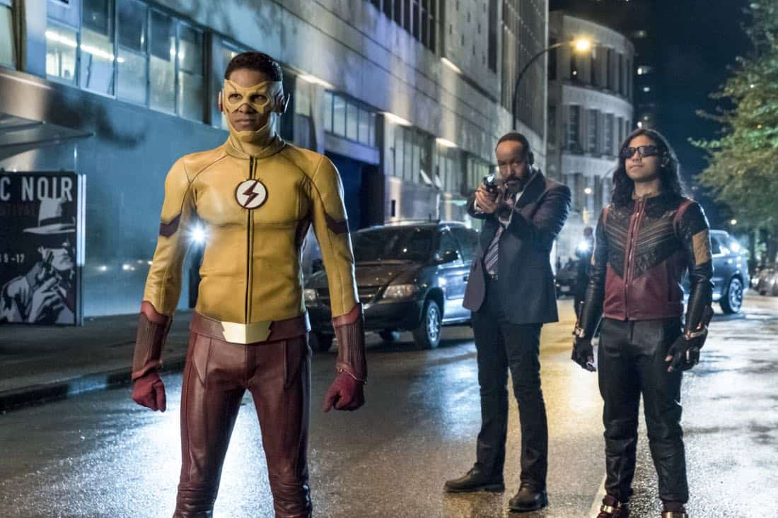 """The Flash -- """"The Flash Reborn"""" -- Image Number: FLA401a_0208b.jpg -- Pictured: Keiynan Lonsdale as Kid Flash, Jesse L. Martin as Detective Joe West and Carlos Valdes as Vibe -- Photo: Katie Yu/The CW -- © 2017 The CW Network, LLC. All rights reserved."""