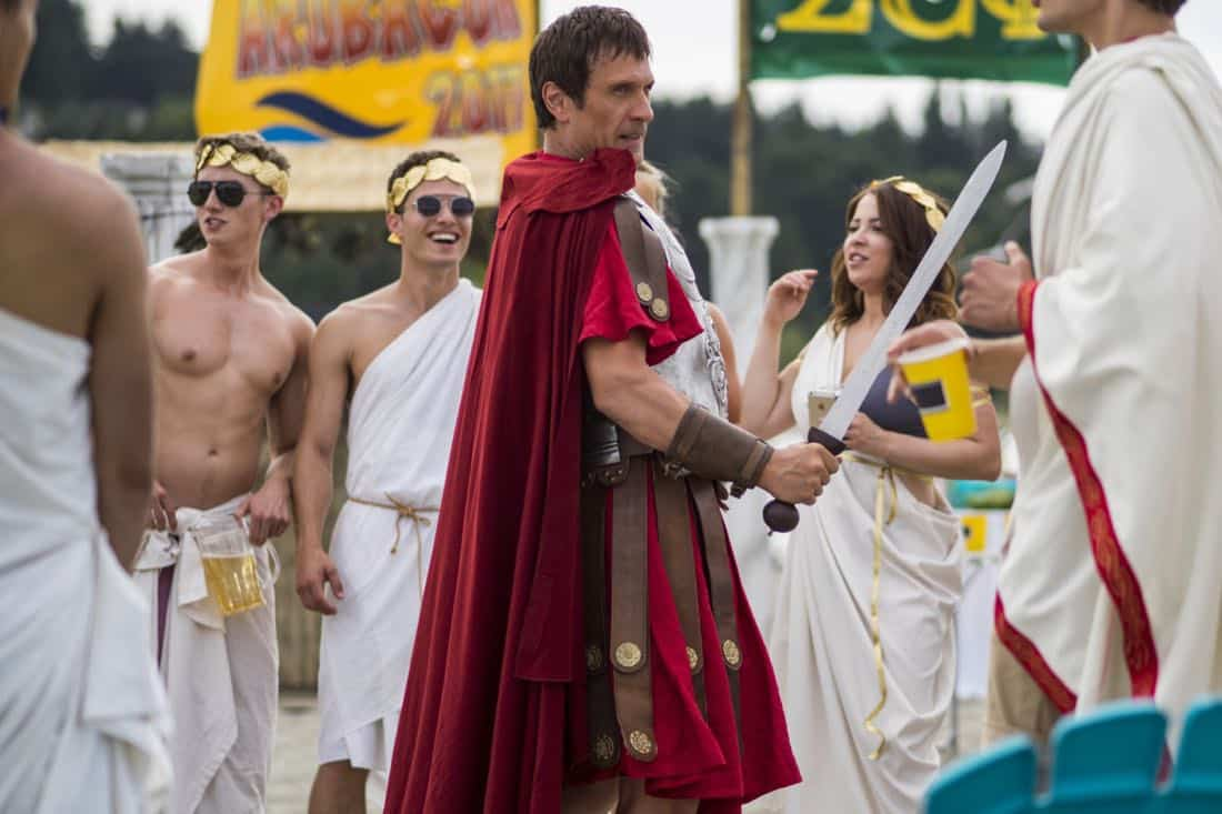 """DC's Legends of Tomorrow -- """"Aruba-Con"""" -- Image Number: LGN301a_0218.jpg -- Pictured: Simon Merrells as Caesar -- Photo: Robert Falconer/The CW -- © 2017 The CW Network, LLC. All Rights Reserved."""