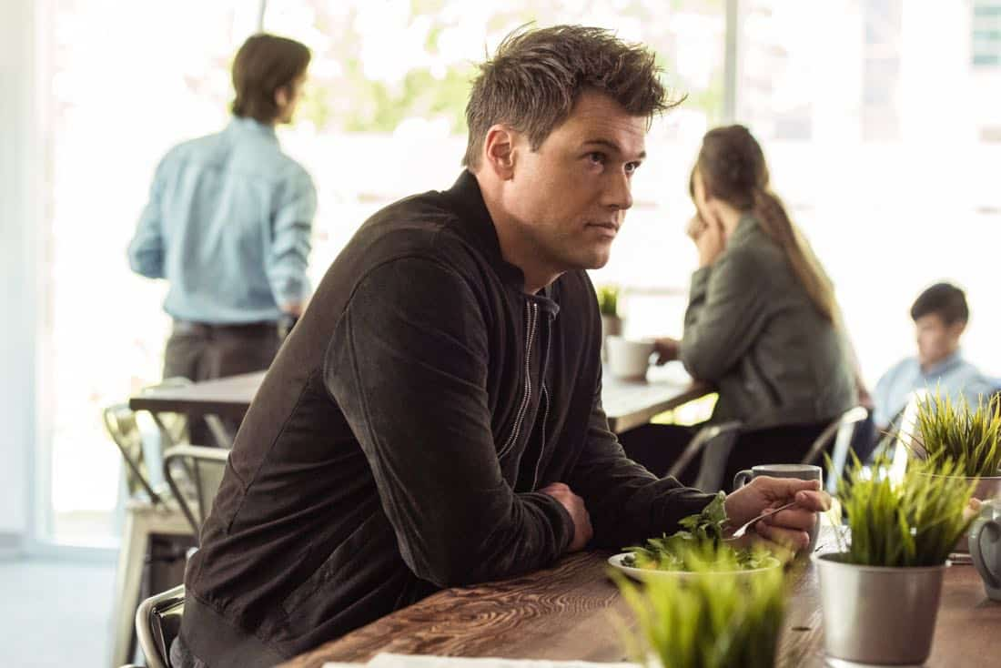 """DC's Legends of Tomorrow -- """"Aruba-Con"""" -- Image Number: LGN301b_0196.jpg -- Pictured: Nick Zano as Nate Heywood/Steel -- Photo: Dean Buscher/The CW -- © 2017 The CW Network, LLC. All Rights Reserved."""