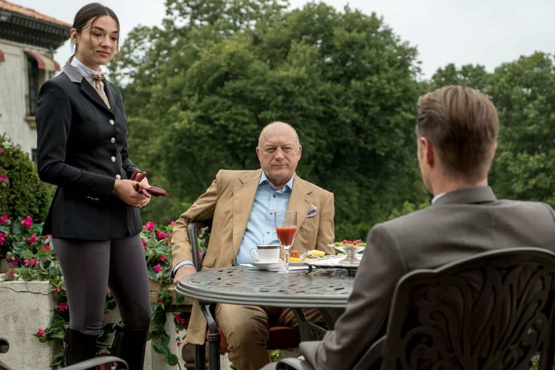 """GOTHAM: L-R: Crystal Reed, guest star John Doman and Ben McKenzie in """"A Dark Knight: They Who Hide Behind Masks"""""""