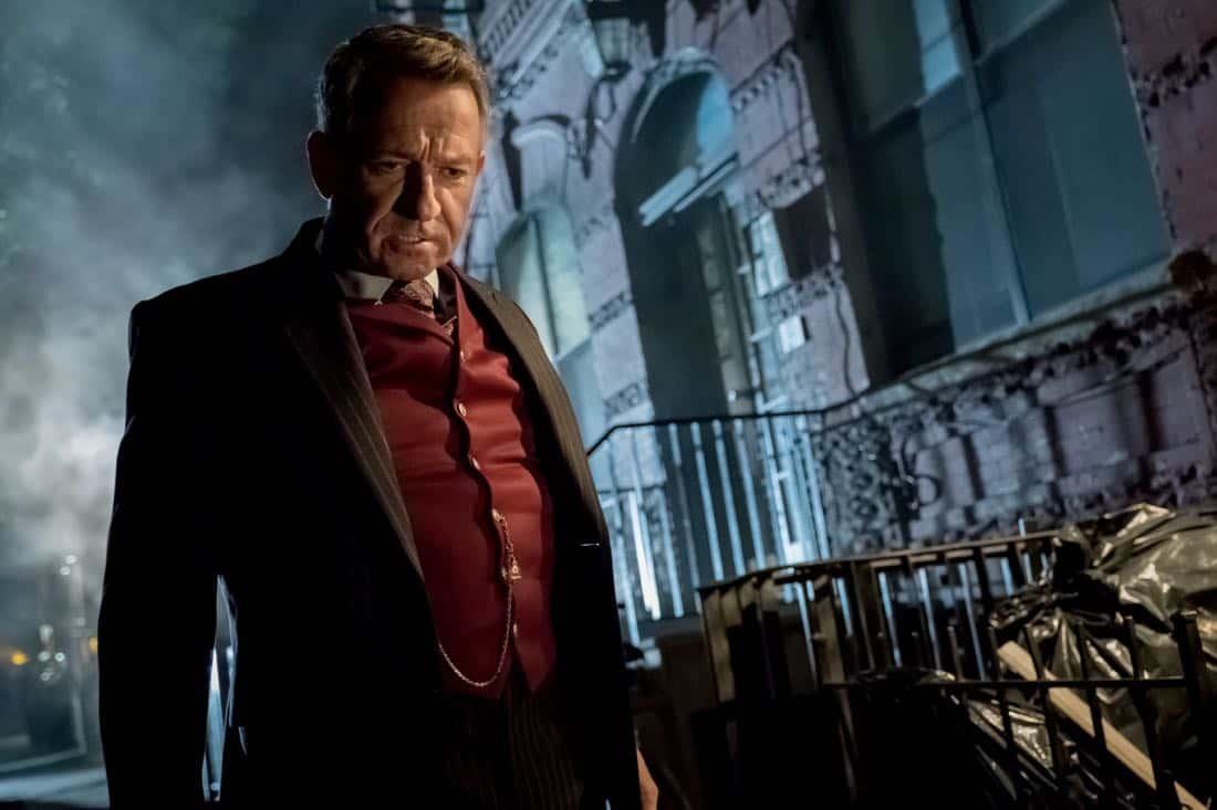 """GOTHAM: Sean Pertwee in """"The Fear Reaper"""""""