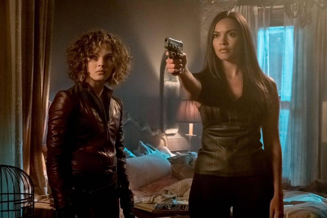 """GOTHAM: L-R: Camren Bicondova and Jessica Lucas in """"The Fear Reaper"""""""
