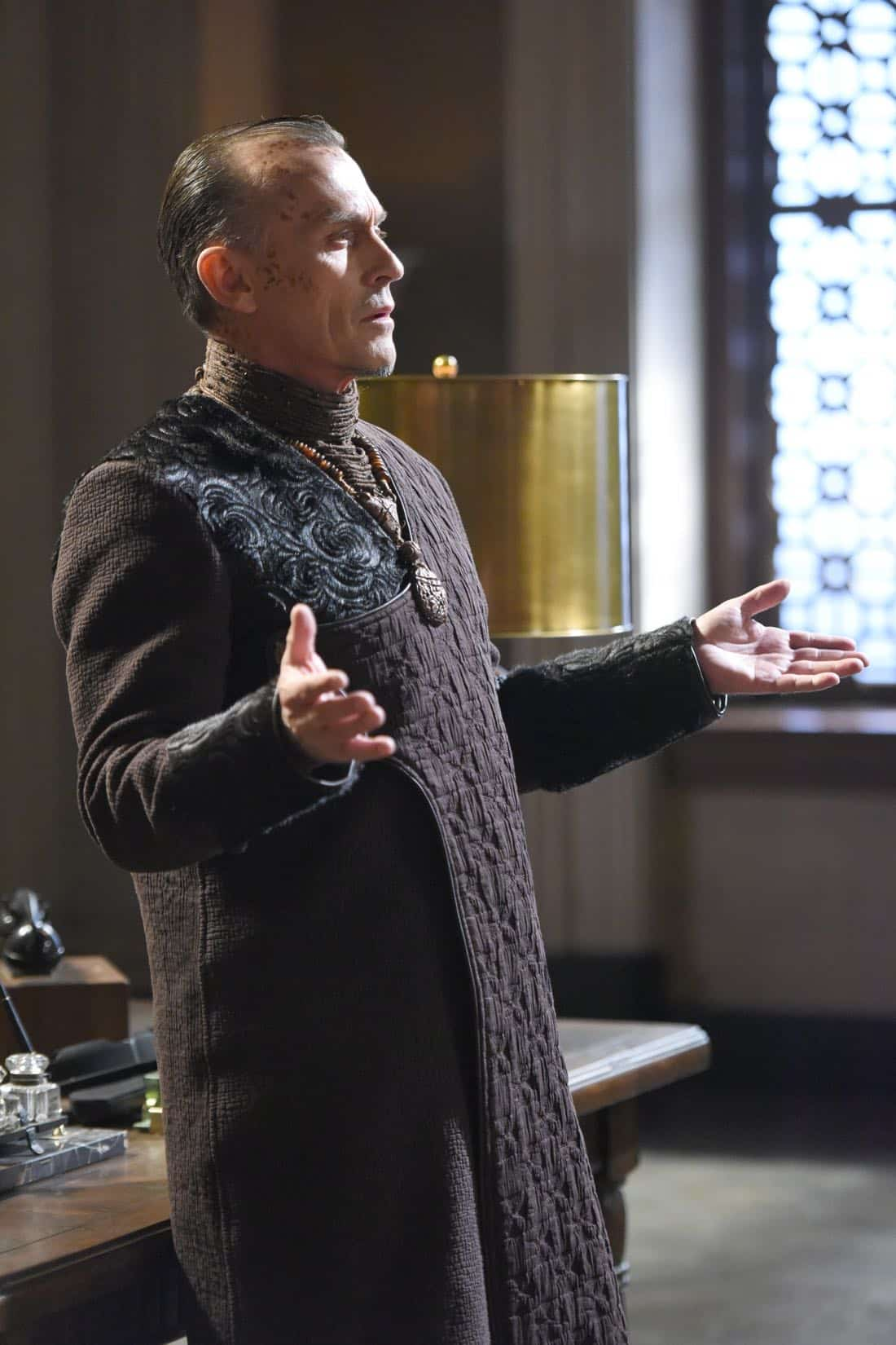"THE ORVILLE: Guest star Robert Knepper in the ""If the Stars Should Appear"""