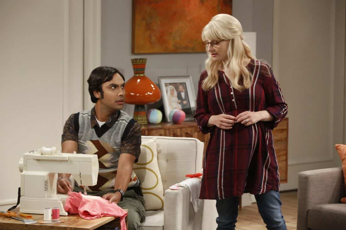 """The Explosion Implosion"" - Pictured: Rajesh Koothrappali (Kunal Nayyar) and Bernadette (Melissa Rauch). Howard and Sheldon bond when they drive to the desert to shoot off a model rocket. Also, when Leonard's mom, Beverly (Christine Baranski), finds a new best friend in Penny, it rubs Leonard the wrong way, on THE BIG BANG THEORY, Monday, Oct. 16 (8:00-8:31 PM, ET/PT), on the CBS Television Network. Photo: Monty Brinton/CBS ©2017 CBS Broadcasting, Inc. All Rights Reserved"