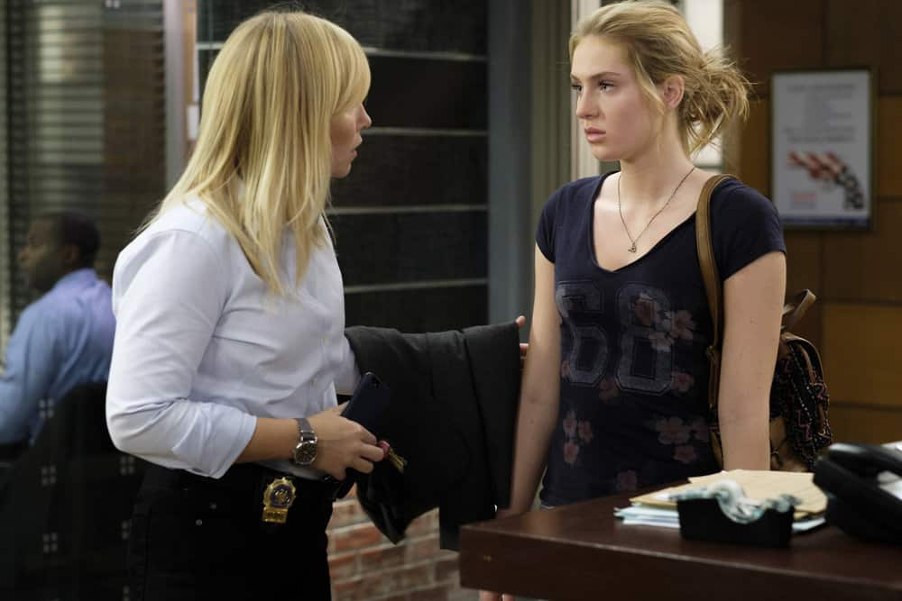 "LAW & ORDER: SPECIAL VICTIMS UNIT -- ""Mood"" Episode 1902 -- Pictured: (l-r) Kelli Giddish as Detective Amanda Rollins, Saxon Sharbino as Savannah Ross -- (Photo by: Christopher Saunders/NBC)"