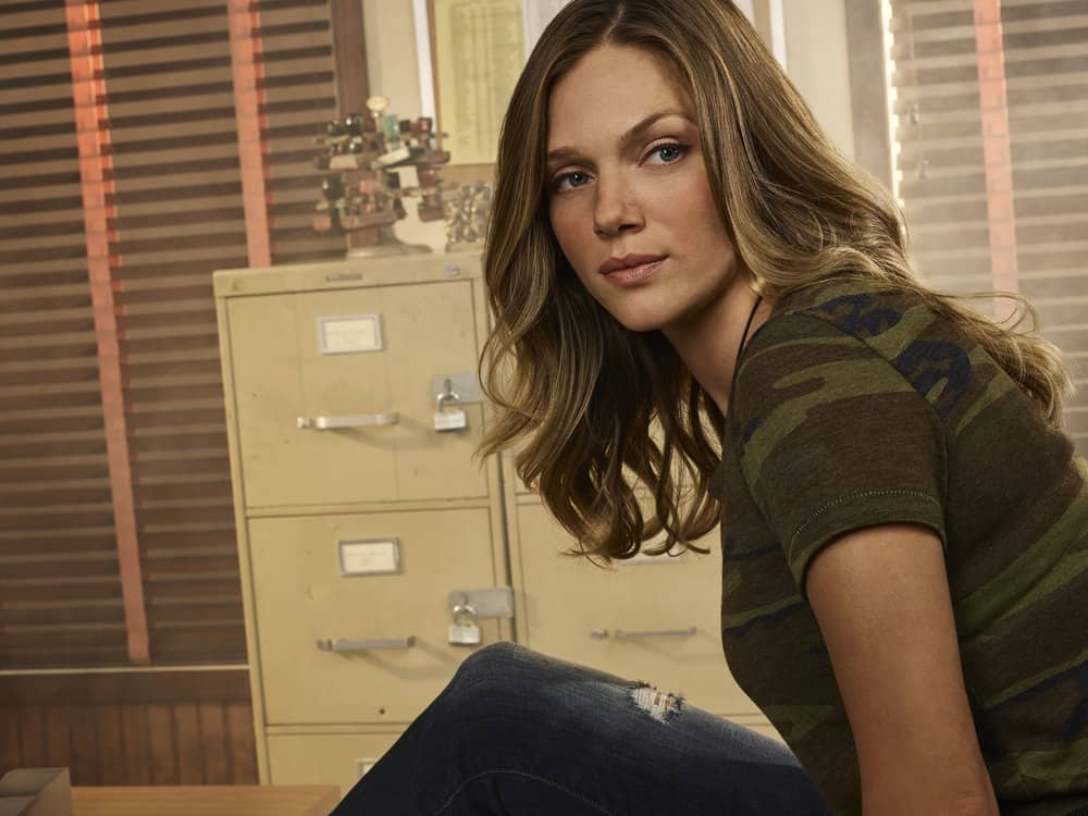 CHICAGO P.D. -- Season: 5 -- Pictured: Tracy Spiridakos as Det. Hailey Upton -- (Photo by: James Dimmock/NBC)