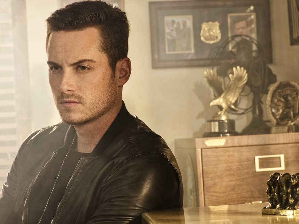 CHICAGO P.D. -- Season: 5 -- Pictured: Jesse Lee Soffer as Jay Halstead -- (Photo by: James Dimmock/NBC)