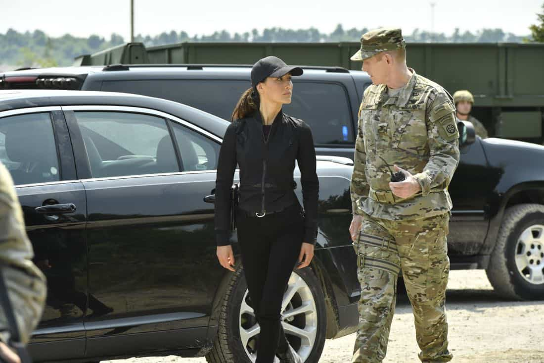 "DESIGNATED SURVIVOR – ""Sting of the Tail"" – FBI Agent Hannah Wells finally closes in on Patrick Lloyd, but when the president decides to take action during the White House Correspondents Dinner, members of the Homeland Security Council threaten to derail their plans, on ""Designated Survivor,"" airing WEDNESDAY, OCTOBER 4 (10:00-11:00 p.m. EDT). (ABC/Ben Mark Holzberg) MAGGIE Q, DAVID PATRICK GREEN"