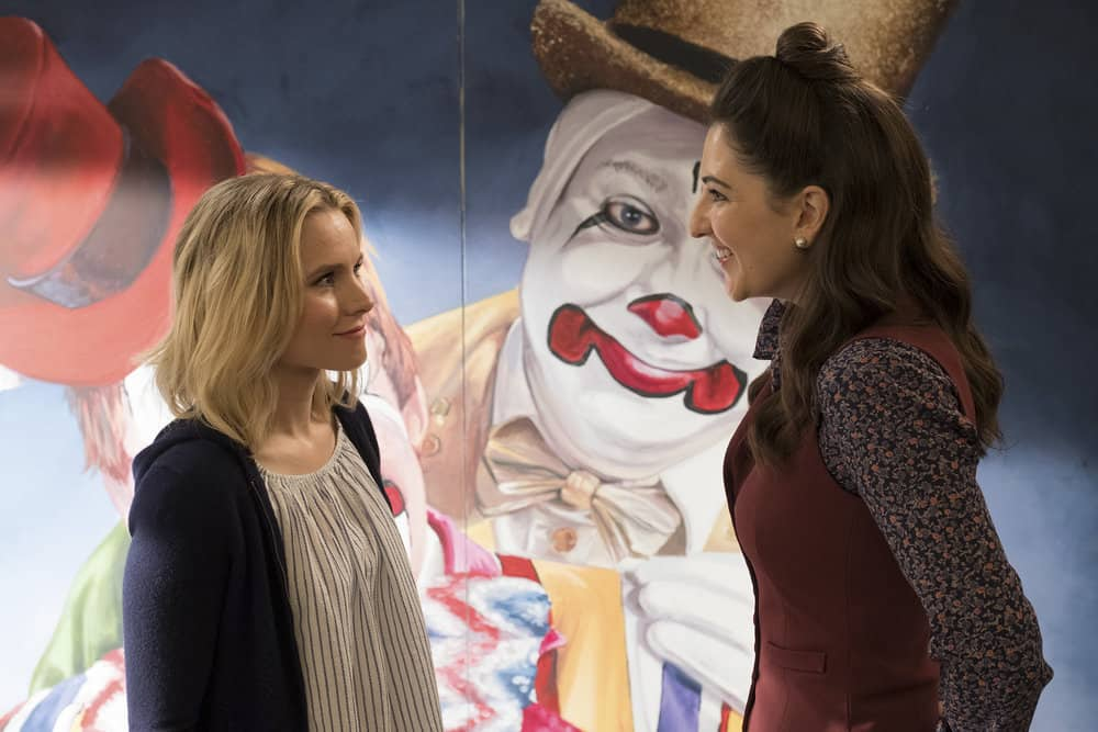 "THE GOOD PLACE -- ""Team Cockroach"" Episode 204 -- Pictured: (l-r) Kristen Bell as Eleanor Shellstrop, D'Arcy Carden as Janet -- (Photo by: Colleen Hayes/NBC)"