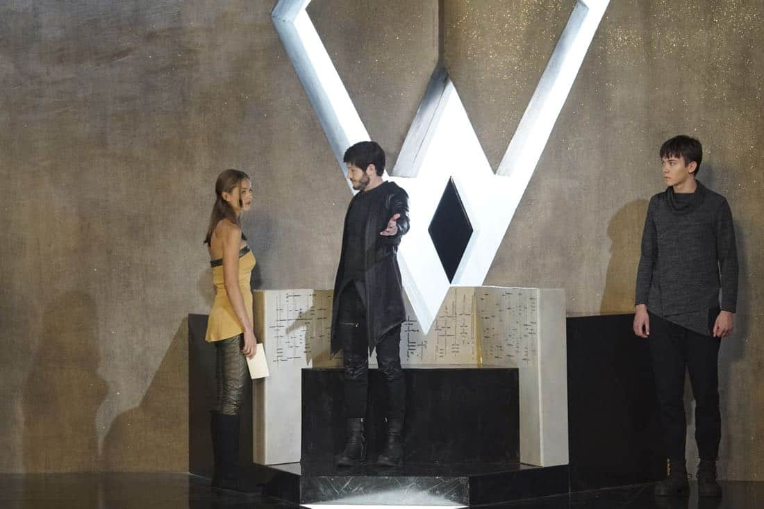 """MARVEL'S INHUMANS - """"Divide and Conquer"""" - After fleeing their home, The Inhumans desperately search for each other in the wake of Maximus' coup. Now they must learn who they can trust on Earth, on an all-new episode of """"Marvel's Inhumans,"""" airing on FRIDAY, OCTOBER 6 (9:01-10:01 p.m. EDT), on The ABC Television Network. (ABC/Karen Neal) ISABELLE CORNISH, IWAN RHEON, ARI DALBERT"""