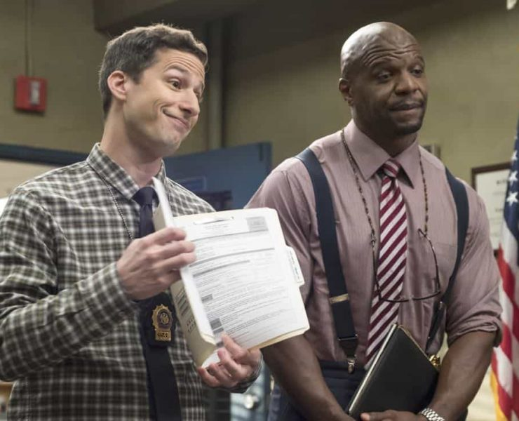 """BROOKLYN NINE-NINE: L-R: Andy Samberg and Terry Crews in the """"Bad Beat"""" episode of BROOKLYN NINE-NINE airing Tuesday, Oct. 31 (9:30-10:00 PM ET/PT) on FOX. CR: Jordin Althaus / FOX"""
