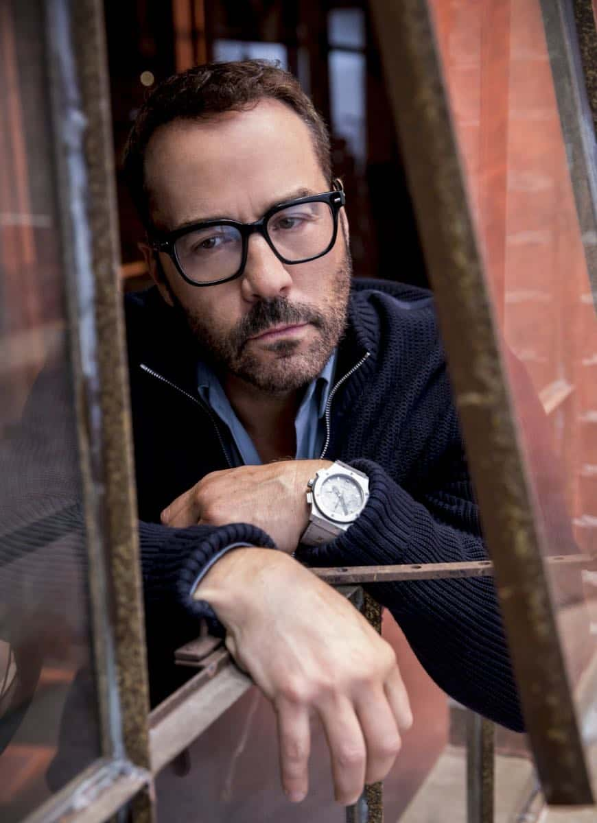 """In The Wild"" -- Pictured: Jeremy Piven as Jeffrey Tanner. A user of Sophe, the cutting-edge crowdsourcing platform, uploads new footage of Jeffrey Tanner's daughter, Mia, being strong-armed by an unknown man five months prior to her murder. Also, Tanner enlists Sophe to help with Cavanaugh's case of a missing teenager, on WISDOM OF THE CROWD, Sunday, Oct. 8 (8:00-9:00 PM, ET/PT), on the CBS Television Network. Photo: Robert Voets/CBS ©2017 CBS Broadcasting, Inc. All Rights Reserved."