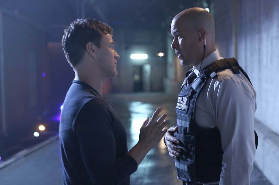 "THE GIFTED:  L-R:  Stephen Moyer and Coby Bell in the ""A New World"" episode of THE GIFTED airing Monday, Oct. 9 (9:00-10:00 PM ET/PT) on FOX.  ©2017 Fox Broadcasting Co.  Cr:  Eliza Morse/FOX"