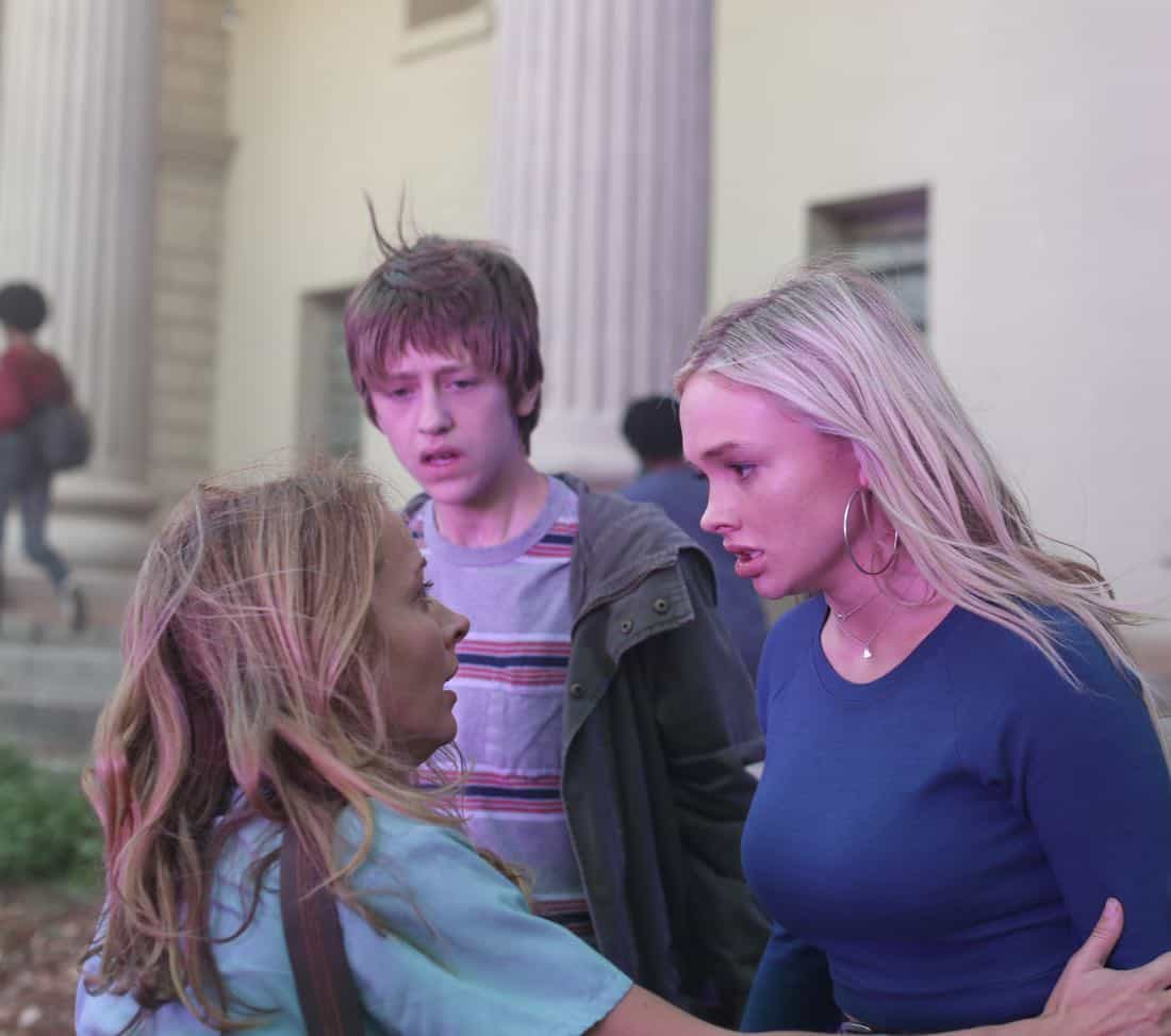 "THE GIFTED:  L-R:  Amy Acker, Percy Hynes White and Natalie Alyn Lind in the ""A New World"" episode of THE GIFTED airing Monday, Oct. 9 (9:00-10:00 PM ET/PT) on FOX.  ©2017 Fox Broadcasting Co.  Cr:  Eliza Morse/FOX"