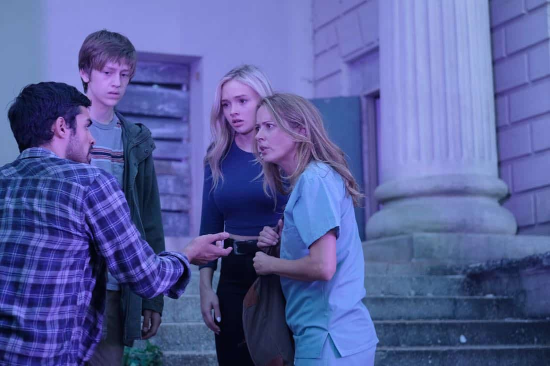 "THE GIFTED:  L-R:  Sean Teale, Percy Hynes White, Natalie Alyn Lind and Amy Acker in the ""A New World"" episode of THE GIFTED airing Monday, Oct. 9 (9:00-10:00 PM ET/PT) on FOX.  ©2017 Fox Broadcasting Co.  Cr:  Eliza Morse/FOX"