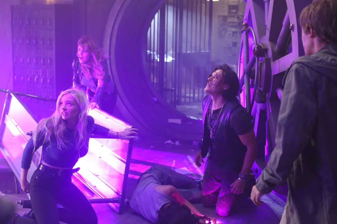 "THE GIFTED:  L-R:  Natalie Alyn Lind, guest star Elaine Satine, Blair Redford and Percy Hynes White in the ""A New World"" episode of THE GIFTED airing Monday, Oct. 9 (9:00-10:00 PM ET/PT) on FOX.  ©2017 Fox Broadcasting Co.  Cr:  Eliza Morse/FOX"