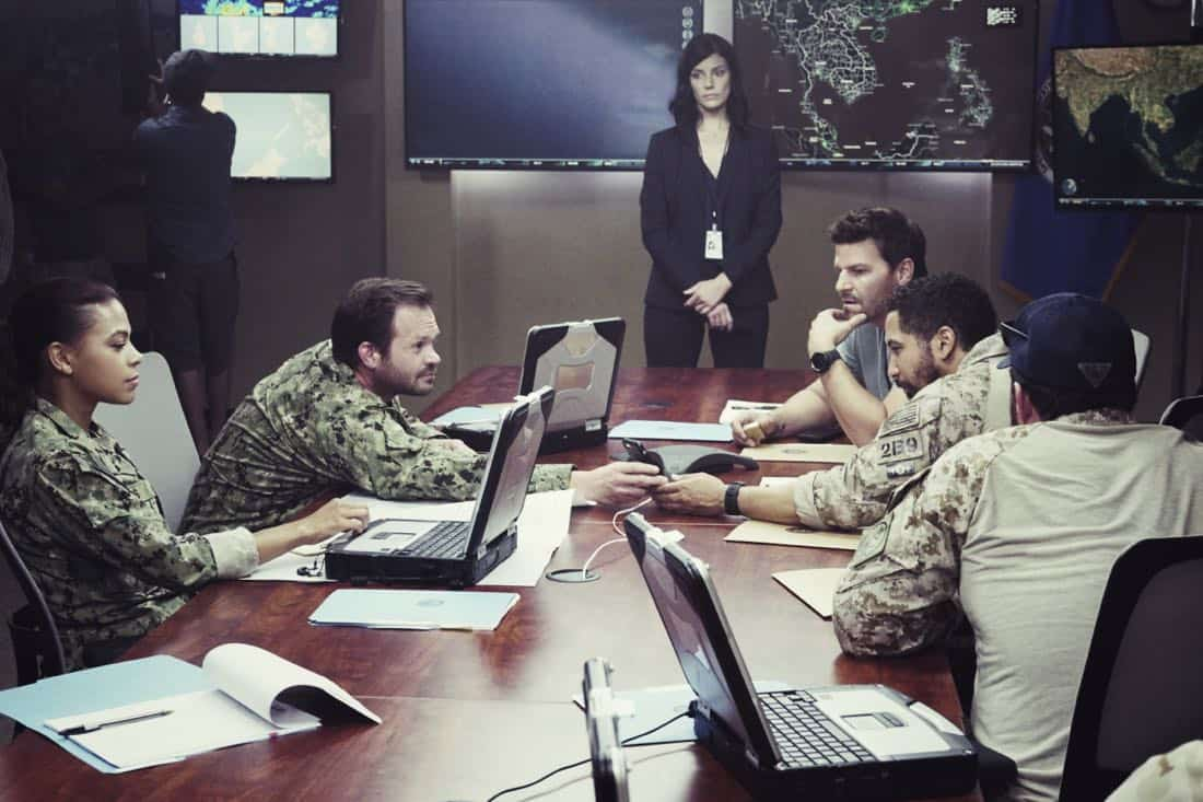 """""""Boarding Party"""" -- Jason and the SEAL team must rescue a group of researchers being held hostage on a ship in the South China Sea. Also, Clay is ranked in the """"bottom five"""" of his class, jeopardizing his future as a SEAL, on SEAL TEAM, Wednesday, Oct. 11 (9:00-10:00 PM, ET/PT) on the CBS Television Network. Pictured left to right: Toni Trucks as Lisa Davis, Judd Lormand as Blackburn, Jessica Paré as Mandy Ellis, David Boreanaz as Jason Hayes and Neil Brown Jr. as Ray Perry. Photo: Monty Brinton/CBS ©2017 CBS Broadcasting, Inc. All Rights Reserved"""