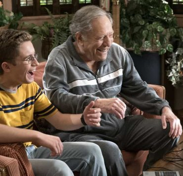 """THE GOLDBERGS - """"Hogan Is My Grandfather"""" - Adam is assigned a term paper on a great person in history, and he decides to make a movie about his grandfather but finds all of Pop's war stories mundane. Pops takes matters into his own hands and decides to tell more exciting stories based on an old television series. Meanwhile, Erica returns home to confront Beverly for over-mothering her. Murray insists Beverly teach Erica and Barry basic life skills, but she worries Erica and Barry will be too independent, on """"The Goldbergs,"""" WEDNESDAY, OCTOBER 4 (8:00-8:30 p.m. EDT), on The ABC Television Network. (ABC/Ron Tom) SEAN GIAMBRONE, GEORGE SEGAL"""