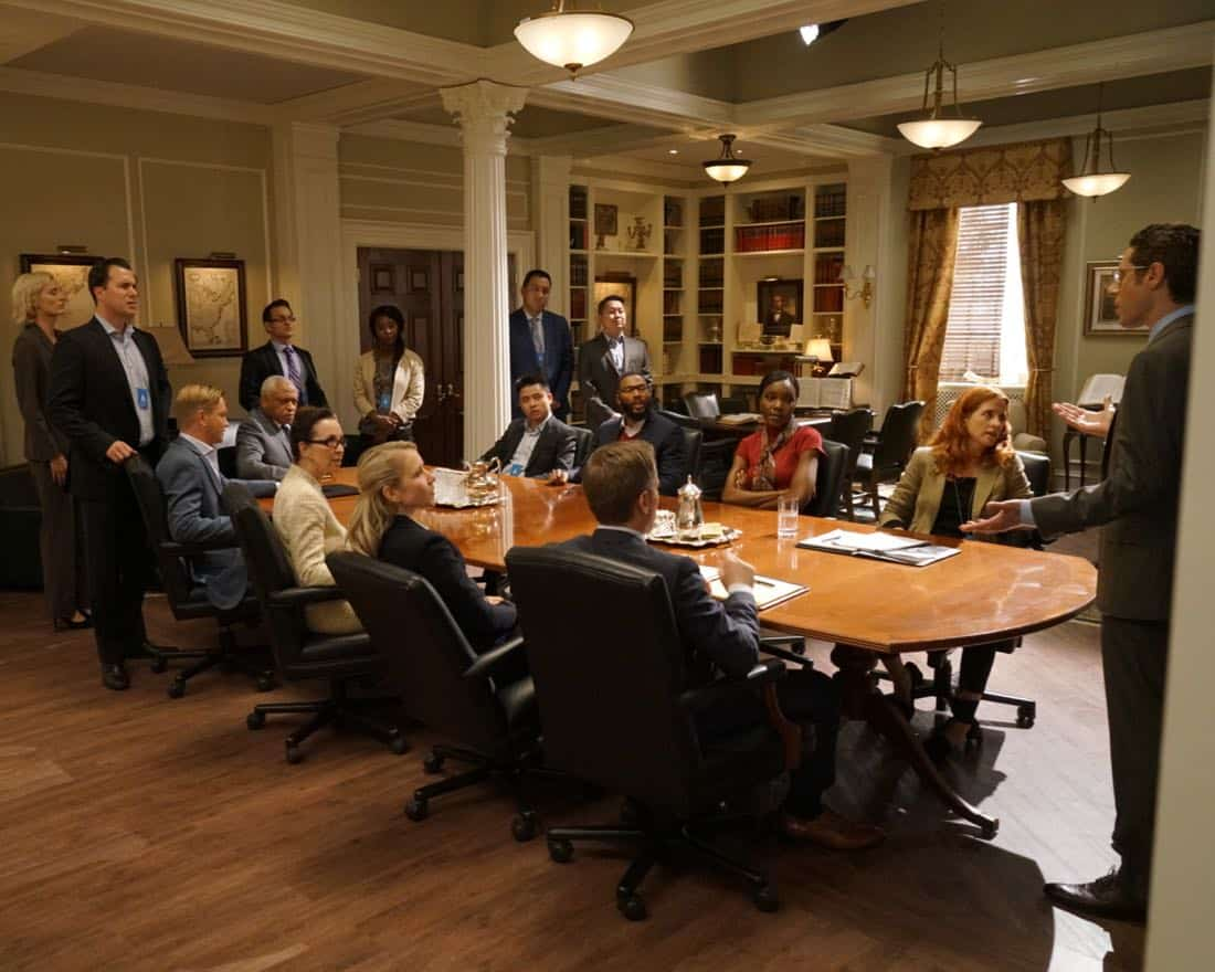 "DESIGNATED SURVIVOR - ""Outbreak"" - President Kirkman is faced with a viral pandemic that threatens to kill countless Americans while FBI Agent Hannah Wells and M16 Agent Damian Rennett discover evidence that could change the lives of members of the first family forever, on ""Designated Survivor,"" airing WEDNESDAY, OCTOBER 11 (10:00-11:00 p.m. EDT). (ABC/Ian Watson) RON CANADA, JIM ANNAN, KIMBERLY-SUE MURRAY, PAULO COSTANZO"