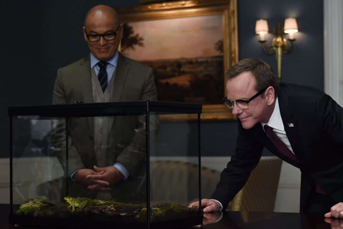 "DESIGNATED SURVIVOR- ""Outbreak"" – President Kirkman is faced with a viral pandemic that threatens to kill countless Americans while FBI Agent Hannah Wells and M16 Agent Damian Rennett discover evidence that could change the lives of members of the first family forever, on ""Designated Survivor,"" airing WEDNESDAY, OCTOBER 11 (10:00-11:00 p.m. EDT). (ABC/Ben Mark Holzberg) VON FLORES, KIEFER SUTHERLAND"
