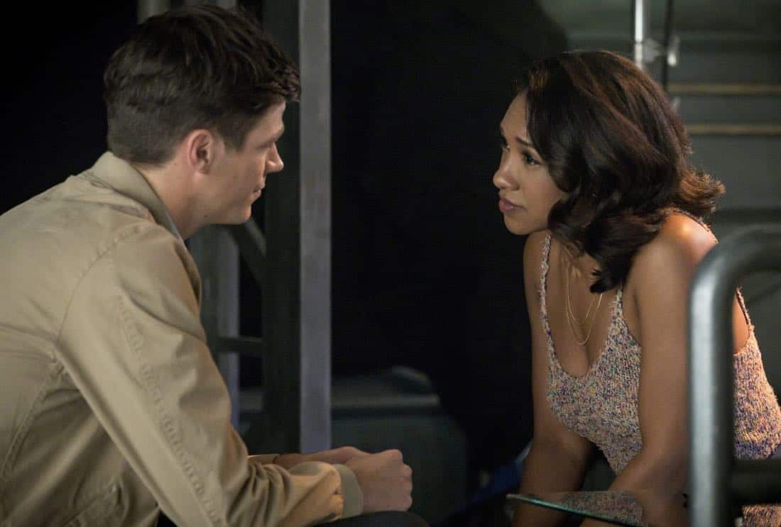 "The Flash -- ""Mixed Signals"" -- Image Number: FLA402a_0663b2.jpg -- Pictured (L-R): Grant Gustin as Barry Allen and Candice Patton as Iris West -- Photo: Jack Rowand/The CW -- © 2017 The CW Network, LLC. All rights reserved."