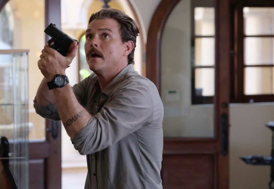 "LETHAL WEAPON: Clayne Crawford in the ""Born To Run"" episode of LETHAL WEAPON airing Tuesday, Oct. 10 (8:00-9:00 PM ET/PT) on FOX. ©2017 Fox Broadcasting Co. CR: Darren Michaels/FOX"