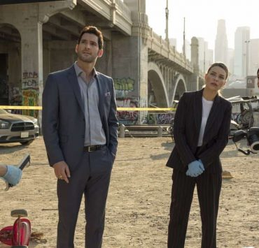 """LUCIFER: L-R: Kevin Alejandro, Tom Ellis, Lauren German and Aimee Garcia in the """"The One With The Baby Carrot"""" episode of LUCIFER airing Monday, Oct. 9 (8:00-9:00 PM ET/PT) on FOX. Cr: John P Flexor/FOX"""