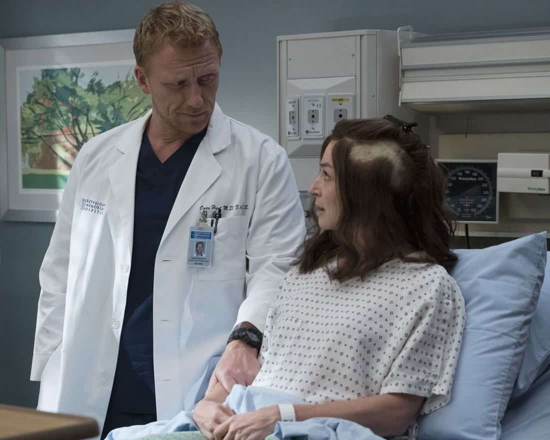 """GREY'S ANATOMY - """"Ain't That a Kick in the Head"""" - Amelia confronts a difficult situation, while Meredith deals with the fallout from her conversation with Nathan. Maggie finds herself at an awkward family dinner, Jackson receives big news, and Richard and Bailey search for the stars of tomorrow, on """"Grey's Anatomy,"""" THURSDAY, OCTOBER 12 (8:00-9:00 p.m. EDT), on The ABC Television Network. (ABC/Richard Cartwright) KEVIN MCKIDD, CATERINA SCORSONE"""