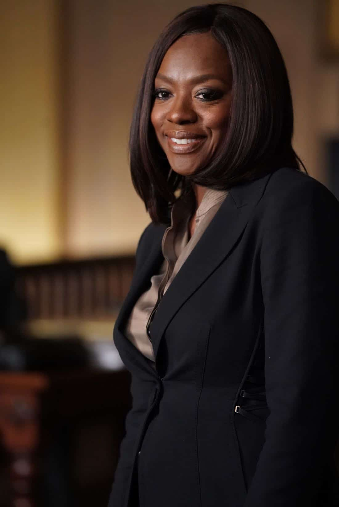 "HOW TO GET AWAY WITH MURDER - ""It's For the Greater Good"" - Annalise takes on a case for the greater good and quickly realizes the stakes are much higher than she originally thought. Meanwhile, Laurel asks Michaela to help get information regarding Wes' death and Connor makes a major life decision that is not supported by the group. In a flash-forward, a surprising confrontation during the night of the crime is revealed, on ""How to Get Away with Murder,"" THURSDAY, OCTOBER 12 (10:00-11:00 p.m. EDT), on The ABC Television Network. (ABC/Mitch Haaseth) VIOLA DAVIS"
