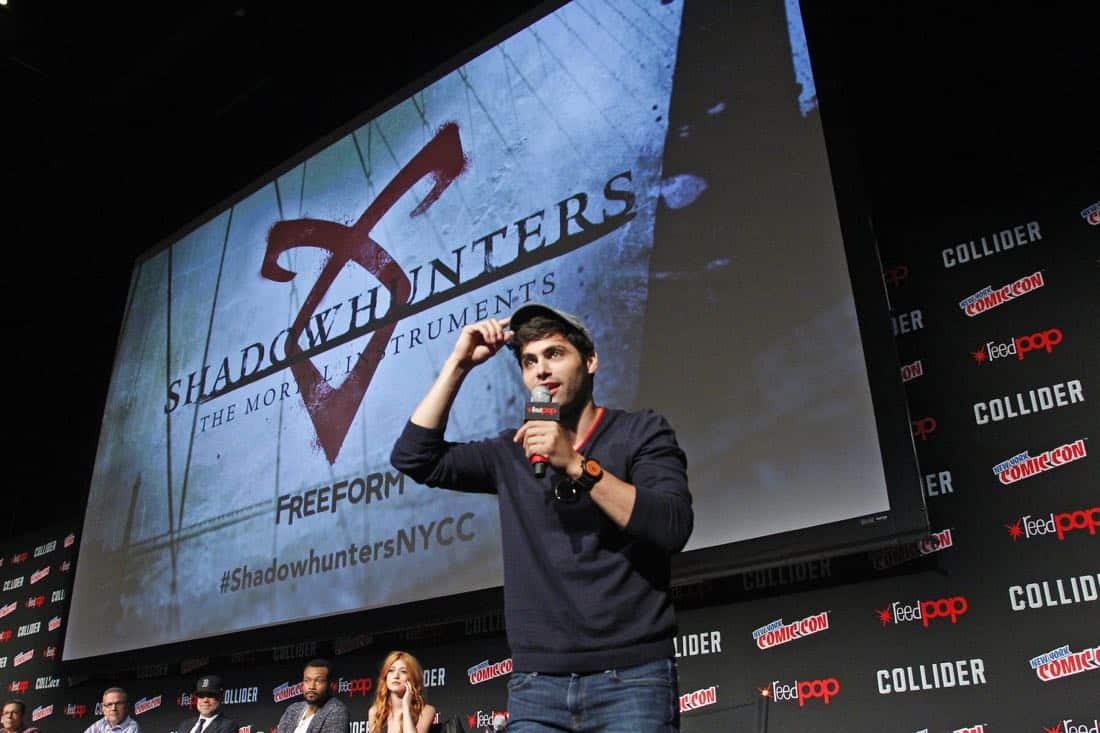 """NY COMIC-CON 2017 -SHADOWHUNTERS - Freeform's genre programming was out in full force at this year's New York Comic Con on Saturday, October 7th with executive producers and cast from the hit series """"Shadowhunters,"""" """"Beyond,"""" and new original series """"Siren."""" (Freeform/Lou Rocco) MATTHEW DADDARIO"""