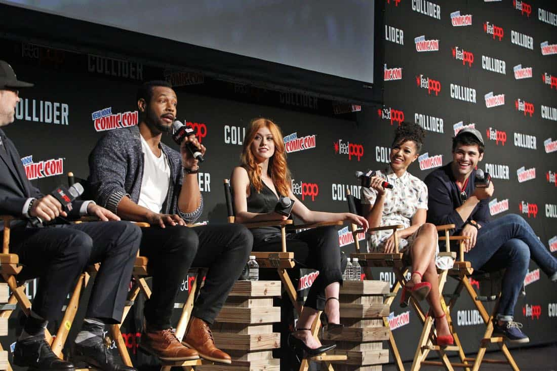 """NY COMIC-CON 2017 -SHADOWHUNTERS - Freeform's genre programming was out in full force at this year's New York Comic Con on Saturday, October 7th with executive producers and cast from the hit series """"Shadowhunters,"""" """"Beyond,"""" and new original series """"Siren."""" (Freeform/Lou Rocco) MATT HASTINGS, EXECUTIVE PRODUCER, ISAIAH MUSTAFA, KATHERINE MCNAMARA, ALISHA WAINWRIGHT, MATTHEW DADDARIO"""
