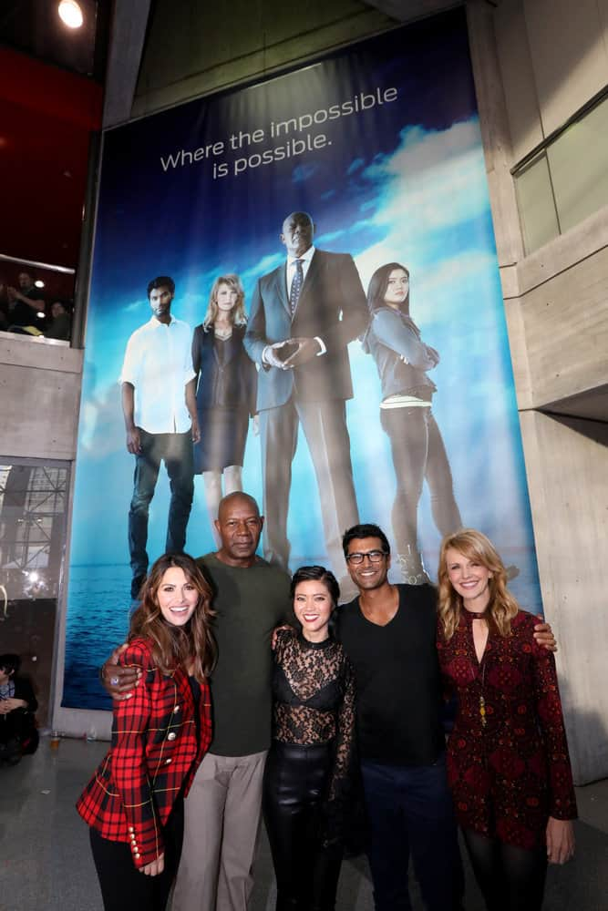 "NEW YORK COMIC CON -- ""Reverie"" -- Pictured: (l-r) Sarah Shahi, Dennis Haysbert, Jessica Lu, Sendhil Ramamurthy, Kathryn Morris -- (Photo by: Heidi Gutman/NBC)"