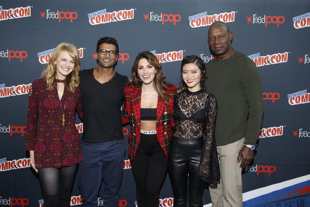 "NEW YORK COMIC CON -- ""Reverie"" -- Pictured: (l-r) Kathryn Morris, Sendhil Ramamurthy, Sarah Shahi, Jessica Lu, Dennis Haysbert -- (Photo by: Heidi Gutman/NBC)"