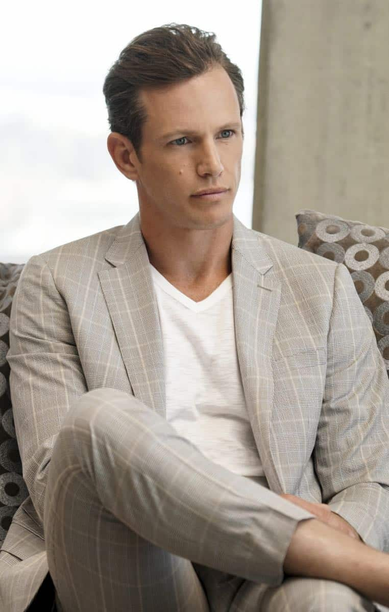 """Se Murio El Payaso"" -- Pictured: Kip Pardue (Michael Silva). When the daughter of a notorious counterfeiter arrives in Los Angeles, Sam is sent undercover as a financier, while Callen partners with Anna (Bar Paley) to track the family's latest scheme, on NCIS: LOS ANGELES, Sunday, Oct. 8th (9:00 PM, ET/PT) on the CBS Television Network. Photo: Sonja Flemming/CBS ©2017 CBS Broadcasting, Inc. All Rights Reserved."