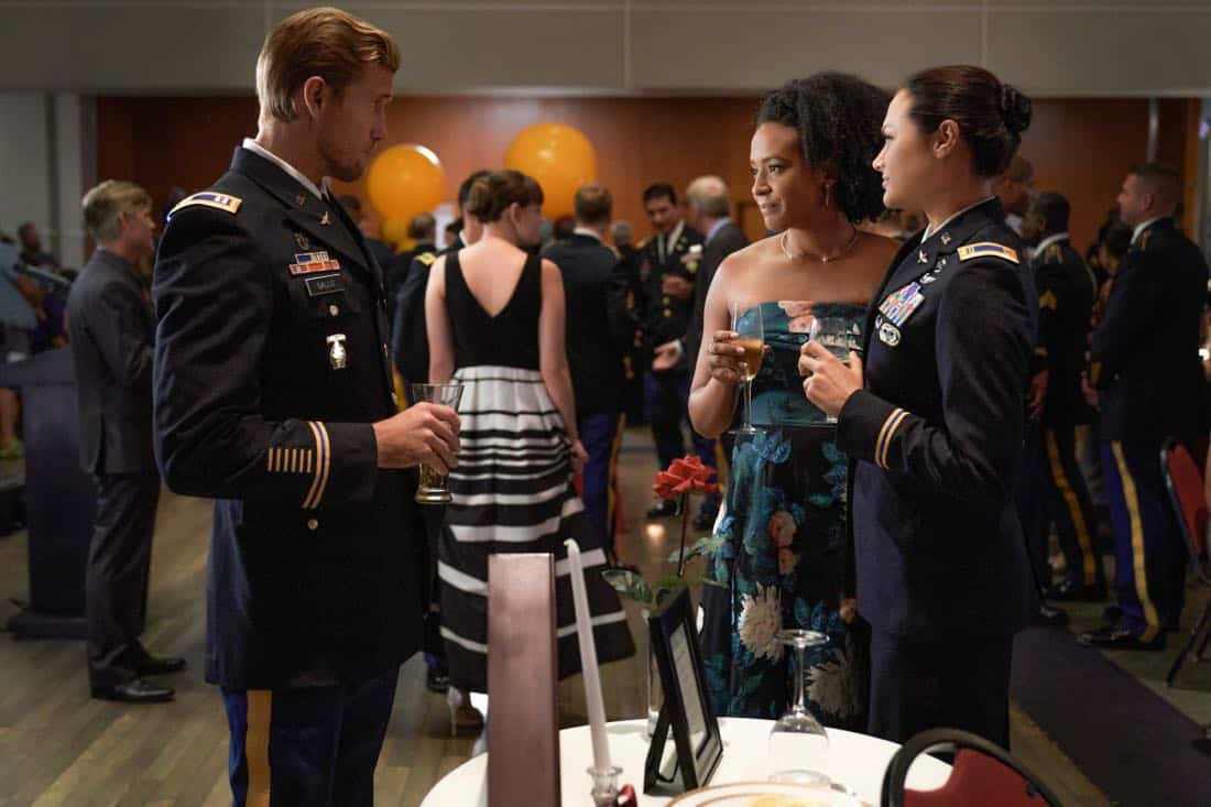 "Valor -- ""Esprit de Corps"" -- Image Number: VAL102b_0051.jpg -- Pictured (L-R): Matt Barr as Gallo, Corbin Reid as Jess and Christina Ochoa as Nora -- Photo: Bob MahoneyThe CW -- © 2017 The CW Network, LLC. All Rights Reserved."