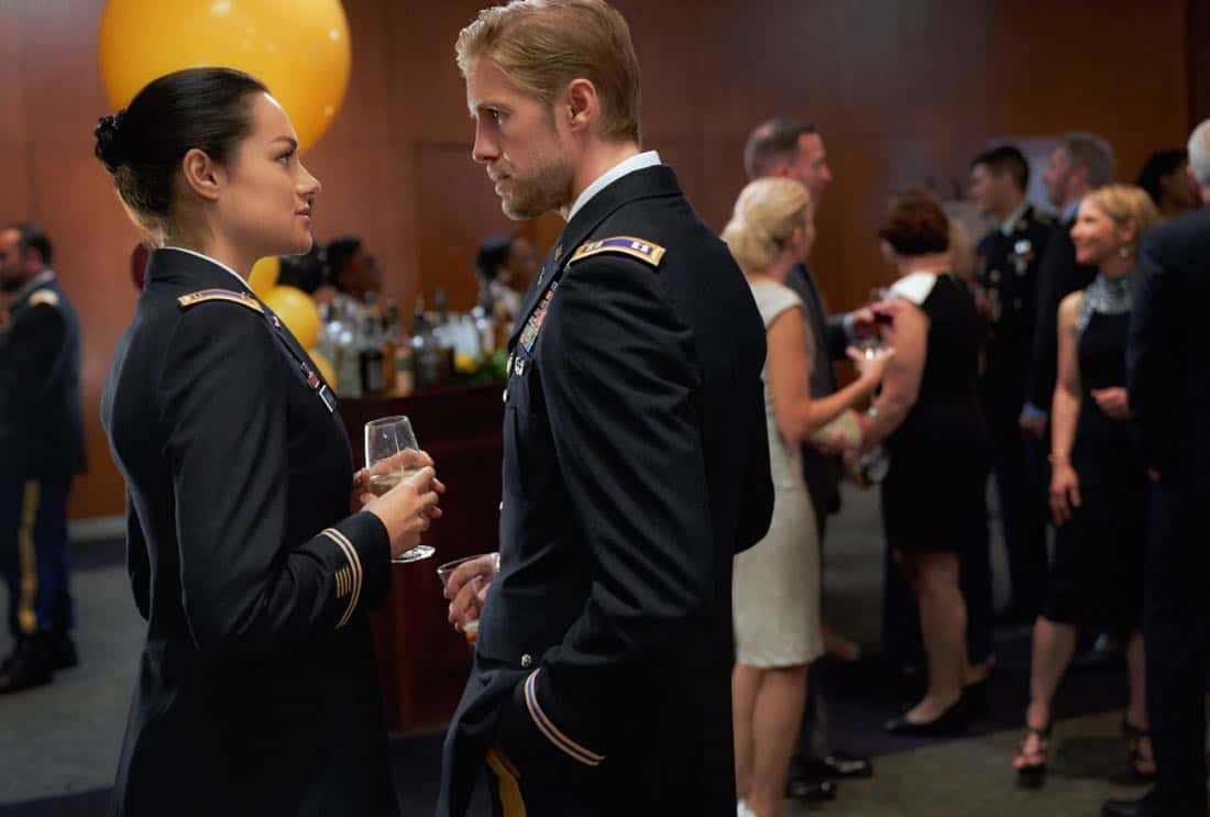 "Valor -- ""Esprit de Corps"" -- Image Number: VAL102b_0047.jpg -- Pictured (L-R): Christina Ochoa as Nora and Matt Barr as Gallo -- Photo: Bob MahoneyThe CW -- © 2017 The CW Network, LLC. All Rights Reserved."