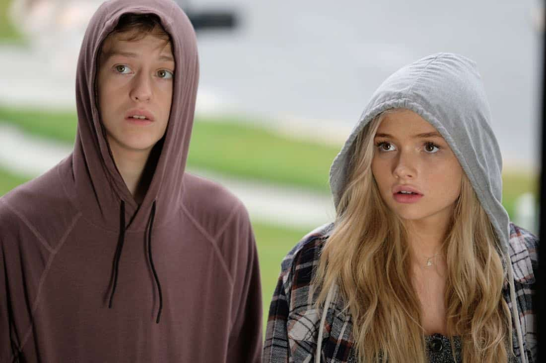 "THE GIFTED: L-R: Percy Hynes White and Natalie Alyn Lind in the ""eXodus"" episode of THE GIFTED airing Monday, Oct. 16 (9:00-10:00 PM ET/PT) on FOX. ©2017 Fox Broadcasting Co. Cr: Eliza Morse/FOX"