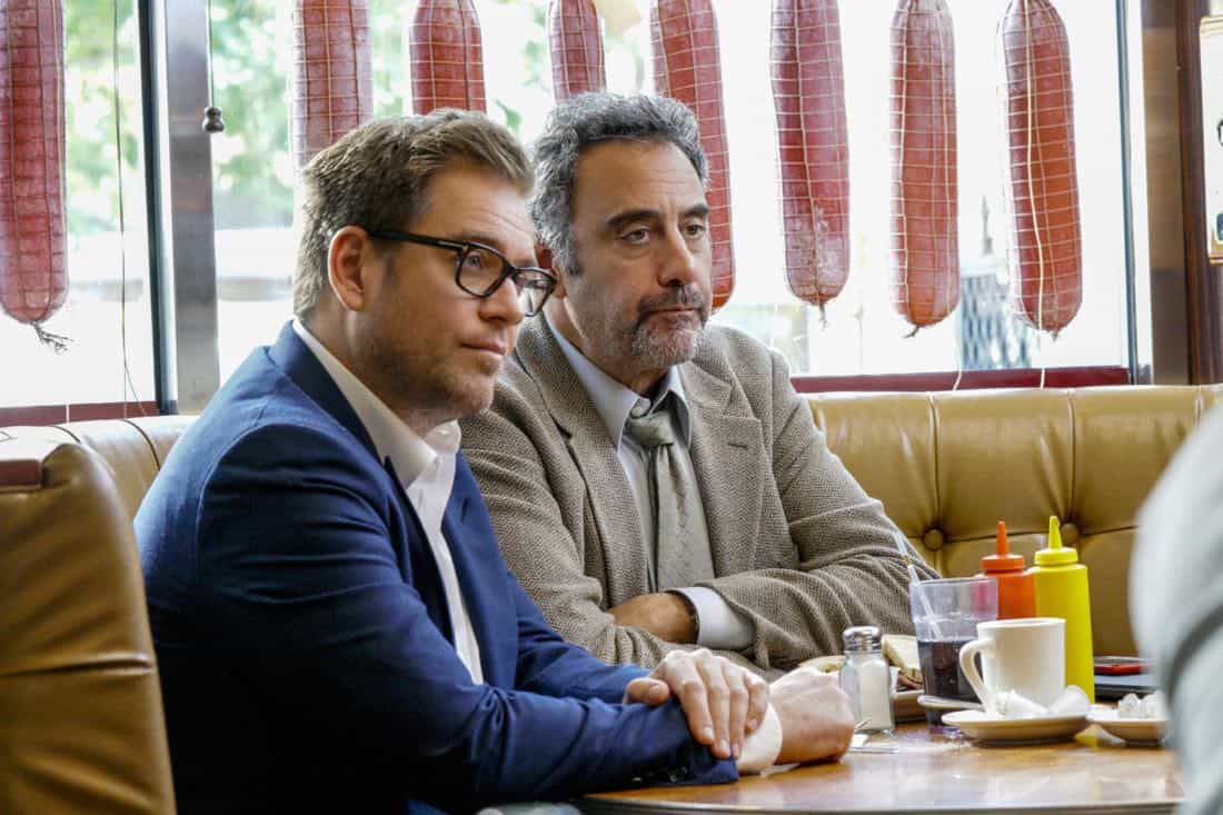 """The Illusion of Control""-- Bull hires an eccentric lawyer to represent him when a celebrity sues him after his advice regarding her custody case backfires, on BULL, Tuesday, Oct 17 (9:00-10:00 PM, ET/PT) on the CBS Television Network. Pictured L-R: Michael Weatherly as Dr. Jason Bull and Brad Garrett as Ron Getman Photo: John Paul Filo/CBS ©2017 CBS Broadcasting, Inc. All Rights Reserved"