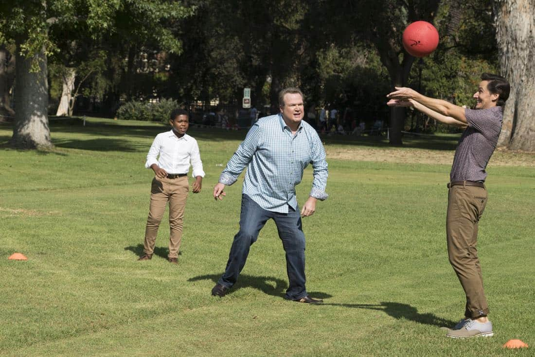 """MODERN FAMILY - """"Sex, Lies & Kickball"""" - Jay's best friend, Shorty, is back from Costa Rica and stays at the house so they can catch up and reconnect. However, Shorty is spending more time with Gloria and seems to be avoiding Jay. Meanwhile, Alex is ready to shed her good-girl image and is going to prove to Claire that her relationship with Ben is definitely a sexual relationship, on """"Modern Family,"""" WEDNESDAY, OCTOBER 18 (9:00-9:31 p.m. EDT), on The ABC Television Network. (ABC/Ron Tom) CEDRIC JOE, ERIC STONESTREET, CHRISTIAN BARILLAS"""