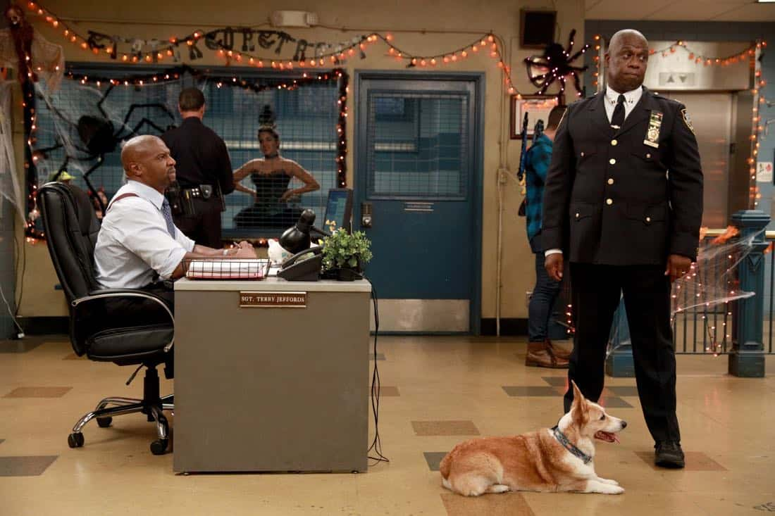"BROOKLYN NINE-NINE: L-R: Terry Crews and Andre Braugher in the ""HalloVeen"" episode of BROOKLYN NINE-NINE airing Tuesday, Oct. 17 (9:30-10:00 PM ET/PT) on FOX. CR: JORDIN ALTHAUS/FOX"
