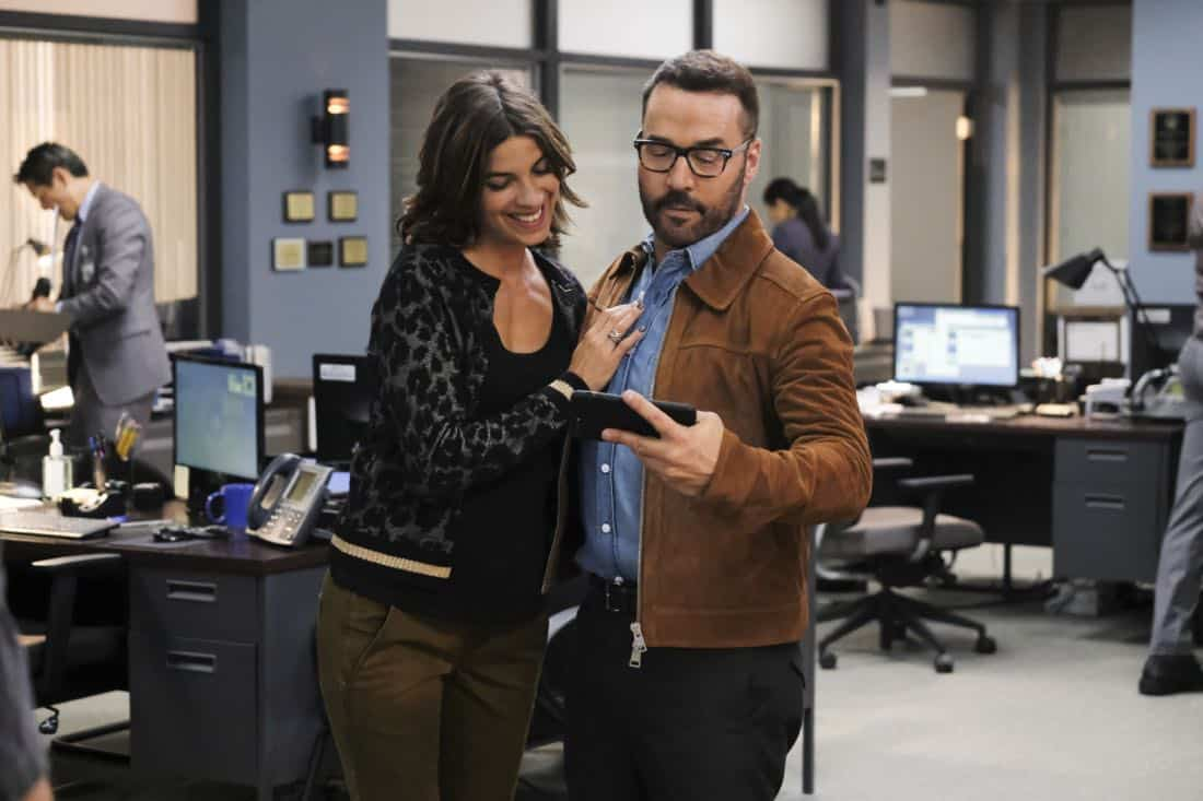 """""""User Bias"""" -- Pictured: Natalia Tena as Sara Morton and Jeremy Piven as Jeffrey Tanner. The San Francisco P.D. comes to Tanner to get Sophe's help on a politically charged murder case following a rally in the city, on WISDOM OF THE CROWD, Sunday, Oct. 22 (8:30-9:30 PM, ET/8:00-9:00 PM, PT) on the CBS Television Network. Photo: Darren Michaels/CBS ©2017 CBS Broadcasting, Inc. All Rights Reserved."""