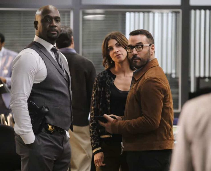 """""""User Bias"""" -- Pictured: Richard T. Jones as Detective Tommy Cavanaugh, Natalia Tena as Sara Morton and Jeremy Piven as Jeffrey Tanner. The San Francisco P.D. comes to Tanner to get Sophe's help on a politically charged murder case following a rally in the city, on WISDOM OF THE CROWD, Sunday, Oct. 22 (8:30-9:30 PM, ET/8:00-9:00 PM, PT) on the CBS Television Network. Photo: Darren Michaels/CBS ©2017 CBS Broadcasting, Inc. All Rights Reserved."""