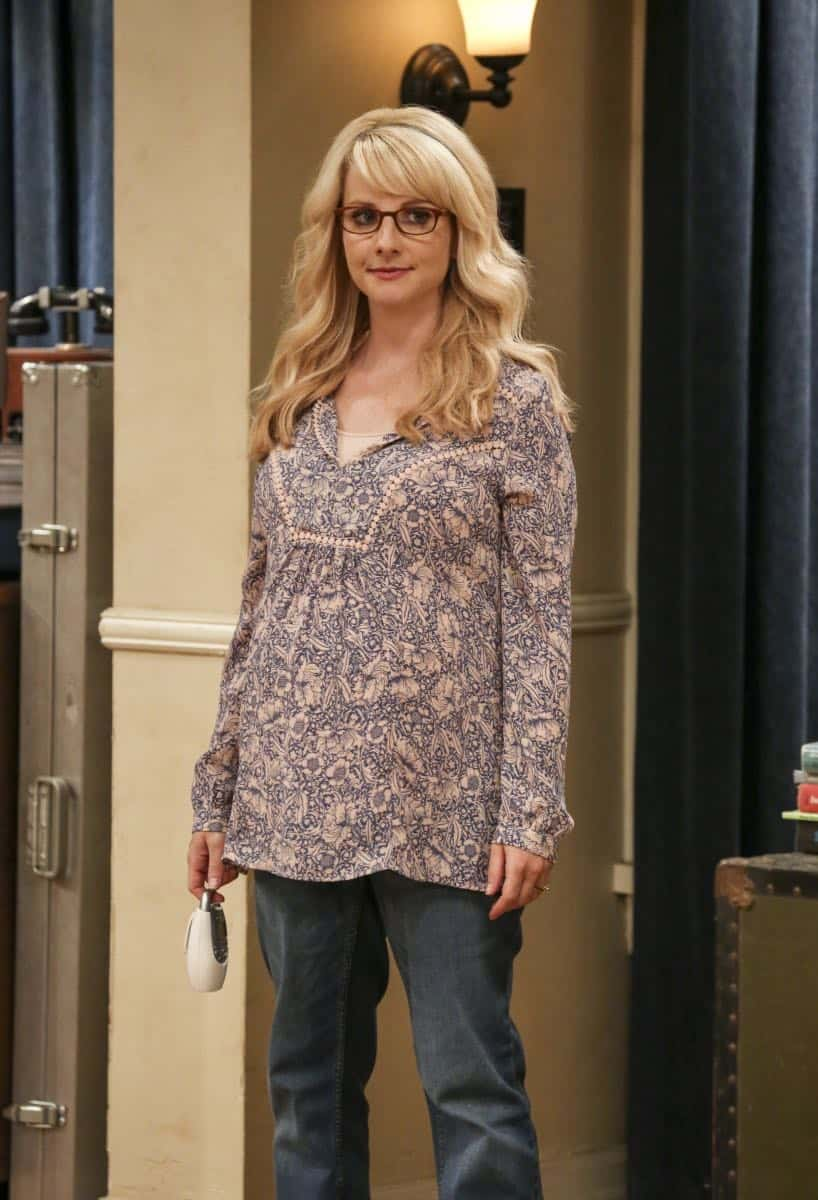 """""""The Collaboration Contamination"""" -- Pictured: Bernadette (Melissa Rauch). Sheldon and Koothrappali confide in Bernadette when they can't handle Amy and Wolowitz working together. Also, Penny and Leonard learn new tactics for how to deal Sheldon from an unlikely source, on THE BIG BANG THEORY, Monday, Oct. 23 (8:00-8:31 PM, ET/PT) on the CBS Television Network. Photo: Michael Yarish/Warner Bros. Entertainment Inc. © 2017 WBEI. All rights reserved."""