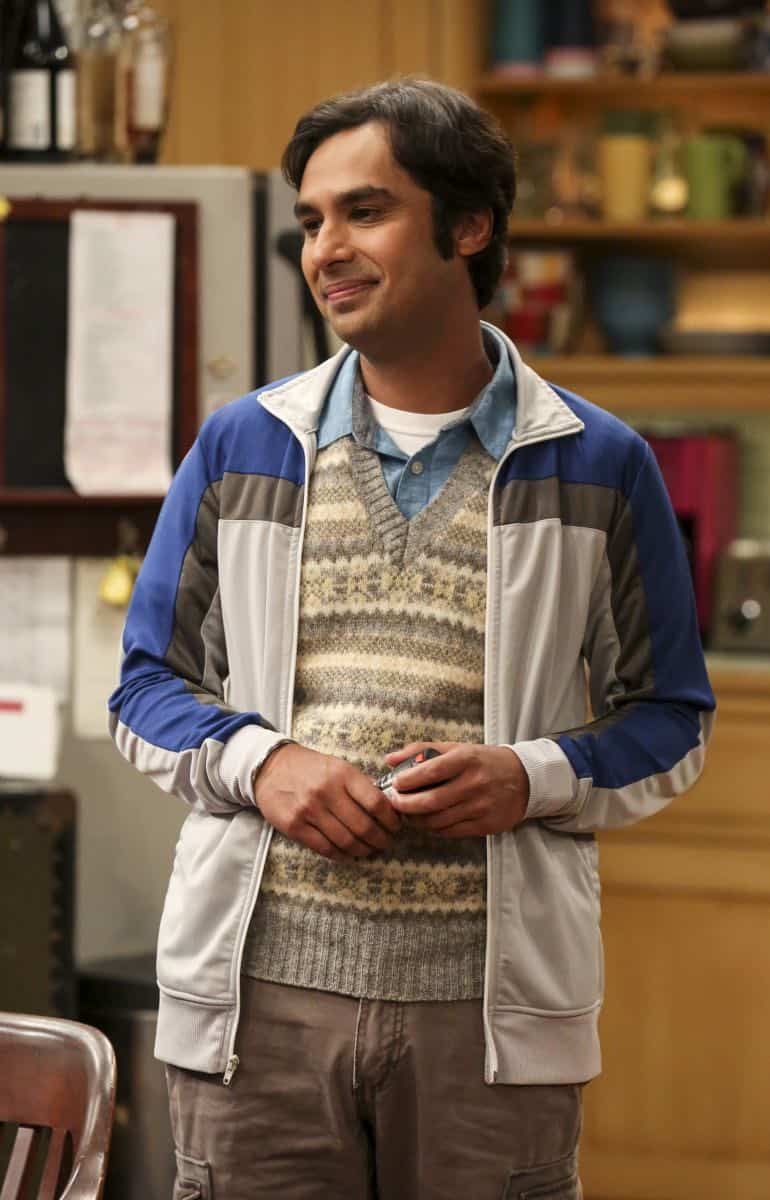 """""""The Collaboration Contamination"""" -- Pictured: Rajesh Koothrappali (Kunal Nayyar). Sheldon and Koothrappali confide in Bernadette when they can't handle Amy and Wolowitz working together. Also, Penny and Leonard learn new tactics for how to deal Sheldon from an unlikely source, on THE BIG BANG THEORY, Monday, Oct. 23 (8:00-8:31 PM, ET/PT) on the CBS Television Network. Photo: Michael Yarish/Warner Bros. Entertainment Inc. © 2017 WBEI. All rights reserved."""
