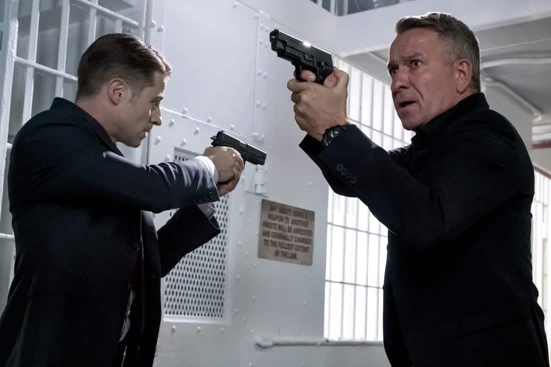 """GOTHAM: L-R: Ben McKenzie and Sean Pertwee in the """"A Dark Knight: The Blade's Path"""" episode of GOTHAM airing Thursday, Oct. 19 (8:00-9:01 PM ET/PT) on FOX. CR:  Jeff Neumann"""