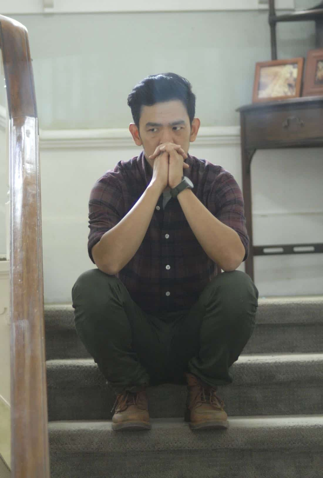 "THE EXORCIST:  John Cho in the ""One For Sorrow"" episode of THE EXORCIST airing Friday, Oct. 20 (9:01-10:00 PM ET/PT) on FOX.  ©2017 Fox Broadcasting Co.  Cr:  Sergei Bachlakov/FOX"