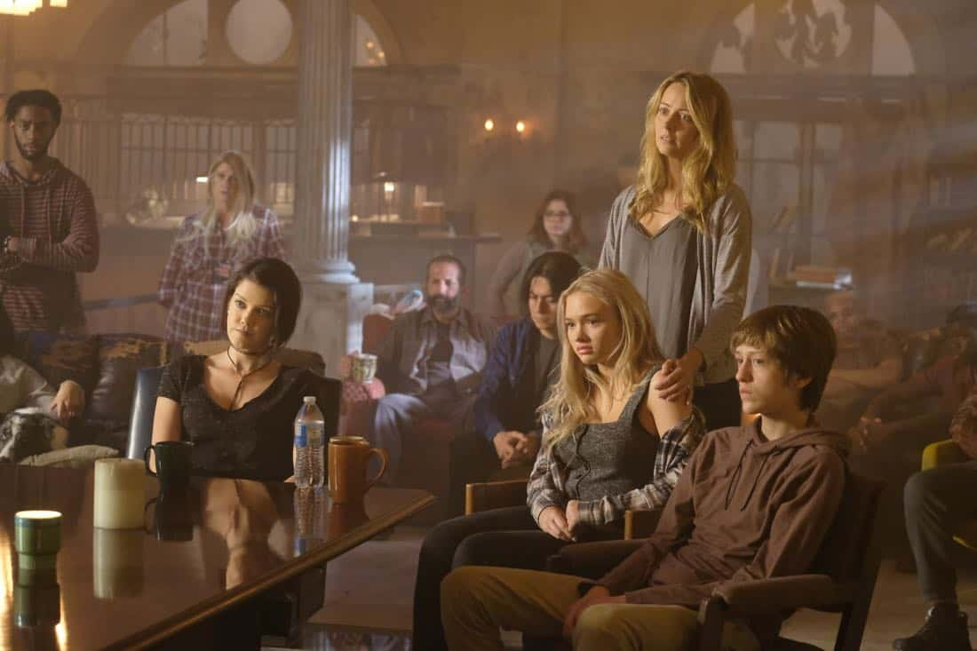 "THE GIFTED: L-R: Guest star Hayley Lovitt, Natalie Alyn Lind, Amy Acker and Percy Hynes White in the ""eXit strategy"" episode of THE GIFTED airing Monday, Oct. 23 (9:00-10:00 PM ET/PT) on FOX. ©2017 Fox Broadcasting Co. Cr: Eliza Morse/FOX"