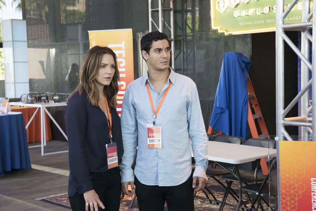 """Sci Hard"" -- While attending a tech convention, Team Scorpion is taken hostage by a group attempting a virtual heist, on SCORPION, Monday, Oct. 23 (10:00-11:00 PM, ET/PT) on the CBS Television Network. Pictured: Katharine McPhee, Elyes Gabel.   Photo: Bill Inoshita/CBS ©2017 CBS Broadcasting, Inc. All Rights Reserved"