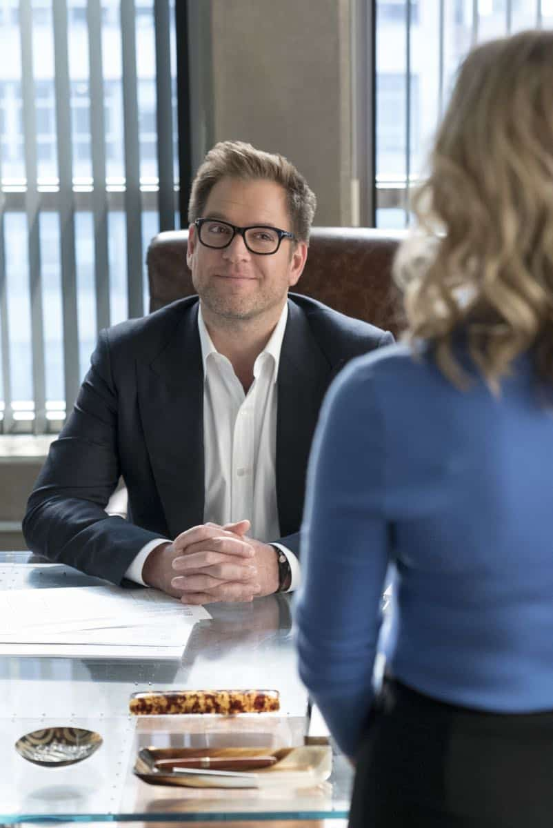 """Play the Hand You're Dealt""-- Bull must navigate the unfamiliar rules of a Native American tribal court when he agrees to help his college roommate, who has been arrested for murder at the reservation he lives on, on BULL, Tuesday, Oct 24 (9:00-10:00 PM, ET/PT) on the CBS Television Network. Pictured L-R: Michael Weatherly as Dr. Jason Bull and Geneva Carr as Marissa Morgan Photo: David M. Russell/CBS ©2017 CBS Broadcasting, Inc. All Rights Reserved"
